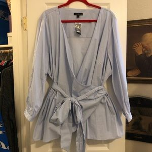 NWT Lane Bryant blue and white wrap top size 28